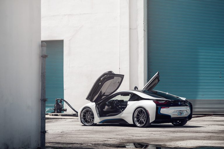 BMW i8 on AGLuxury AGL31 Spec3