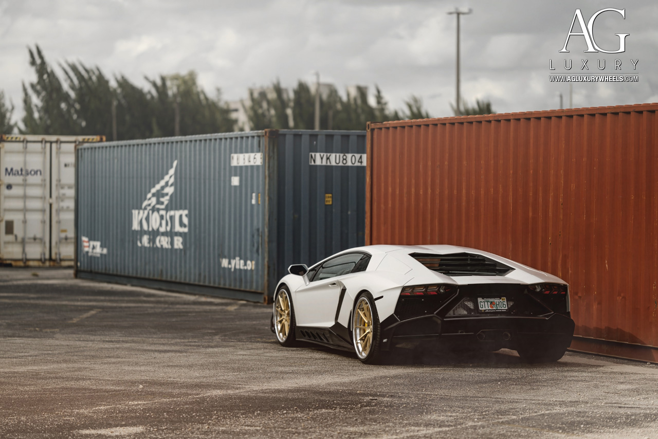 white lamborghini aventador forged concave staggered gold wheels
