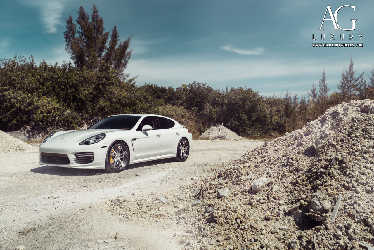 Porsche Panamera Turbo White